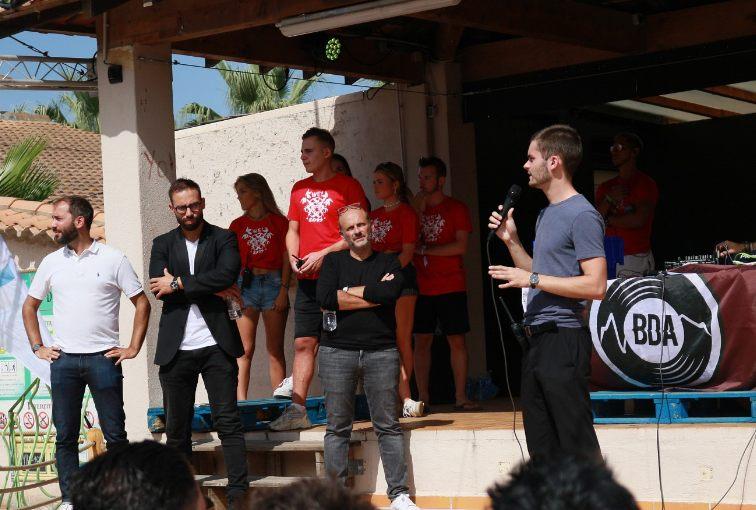 Intégrer une association en école de commerce : l'occasion de faire la fête ou une expérience responsabilisante ?