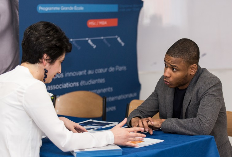 Forum CIC job dating Entreprises-étudiants, rencontres au sommet !
