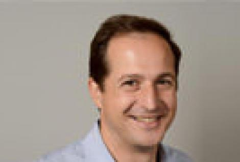 Emmanuel De La Burgade professeur à l'école de commerce ESG Management School