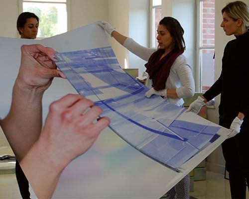 Master students in art organize exhibition in Paris